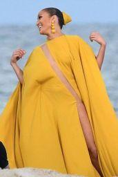 "Jennifer Lopez - Shooting Video For Her Song ""Ni Tu Ni Yo"" in Florida 06/14/2017"