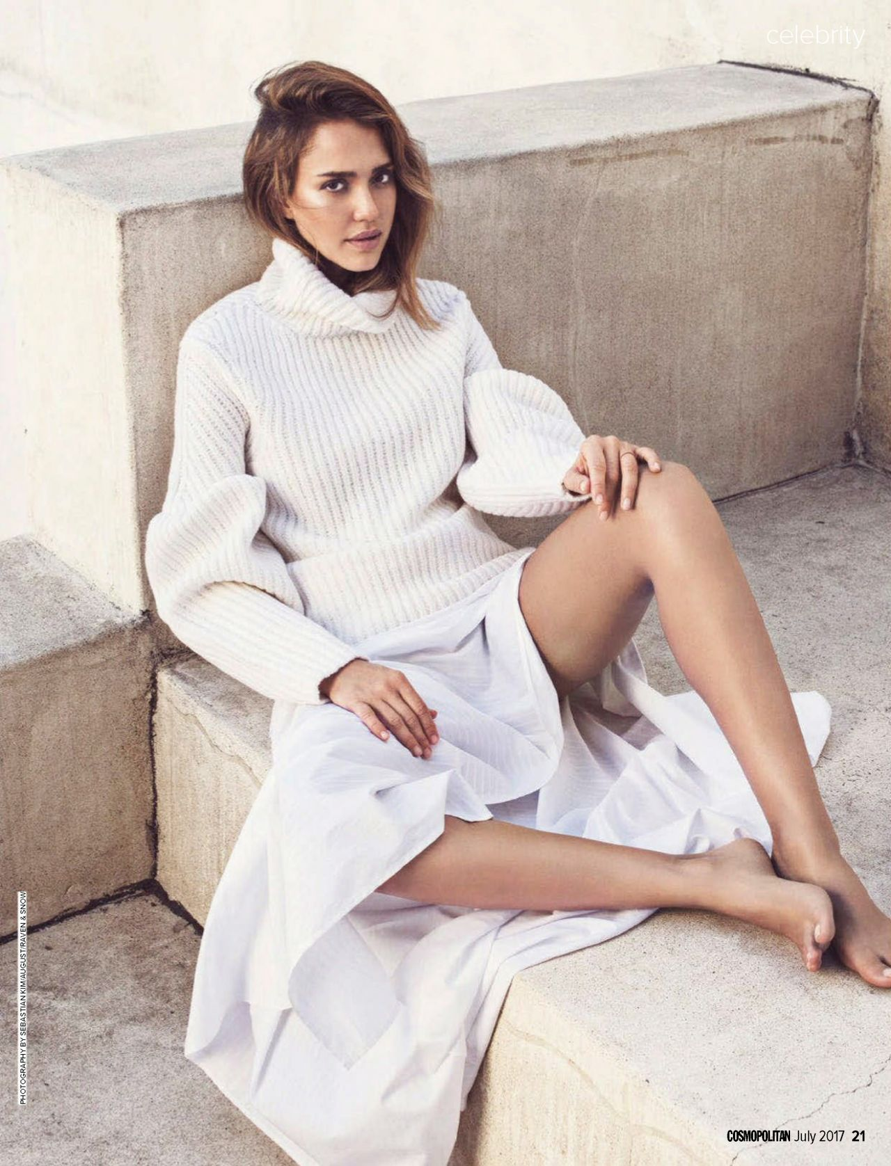 http://celebmafia.com/wp-content/uploads/2017/06/jessica-alba-cosmopolitan-australia-july-2017-issue-4.jpg