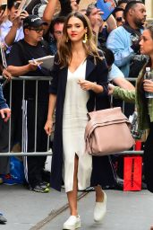 "Jessica Alba - ""The View"" in New York City 06/15/2017"
