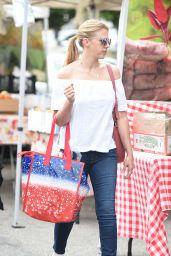 Jodie Sweetin Street Style - Farmer