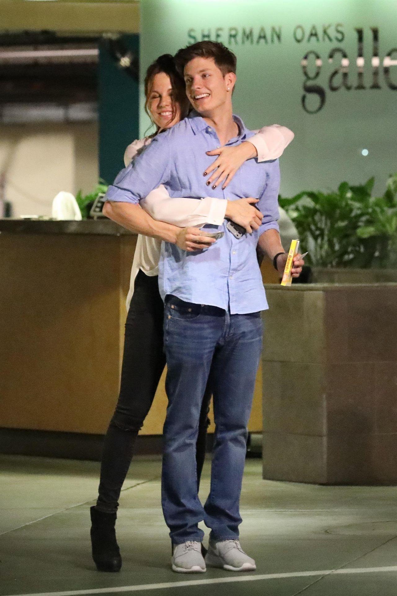 Kate Beckinsale and 21 Year Old Boyfriend Matt Rife in Los - Black Celebrity Hairstyles