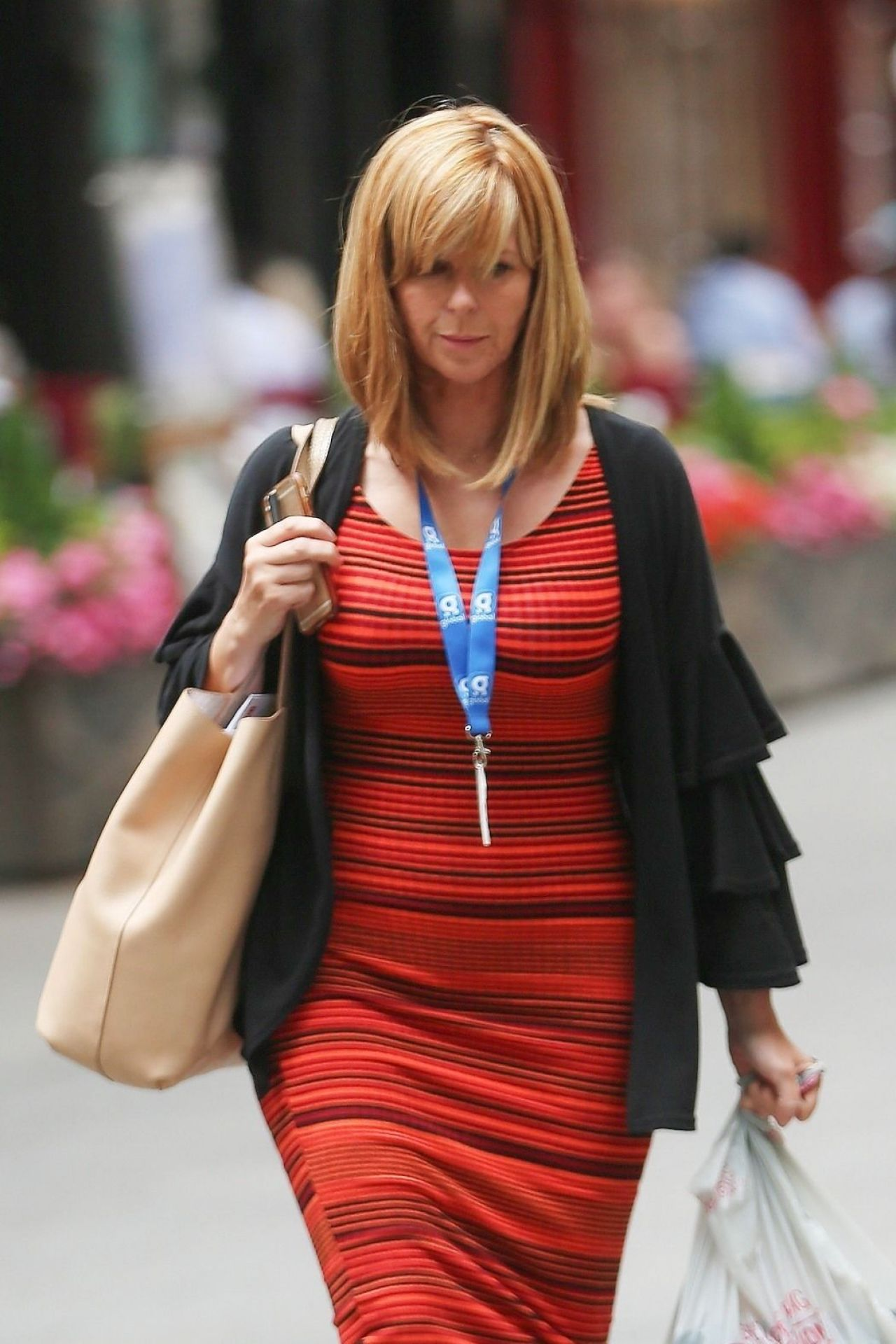 foto Where To Get Kate Garraway's Dress For Yourself