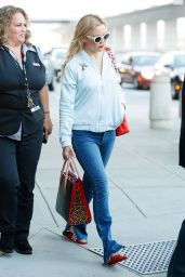 Kate Hudson - Arrives at JFK Airport in NY 06/18/2017