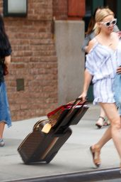 Kate Hudson Carries Her Own Luggage - New York 06/19/2017