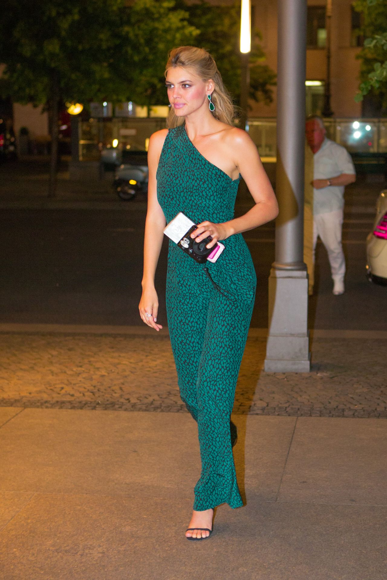 Kelly Rohrbach at the Restaurant Borchardt in Germany 05