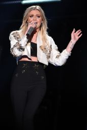 Kelsea Ballerini - Performs Live on the 2017 CMA Music Festival in Nashville 06/09/2017