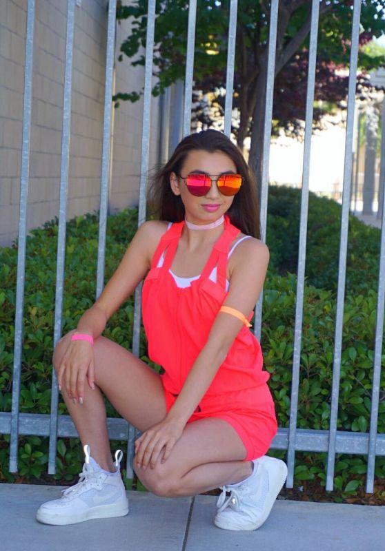 Kelsey Cook – Social Media Pics 06/13/2017
