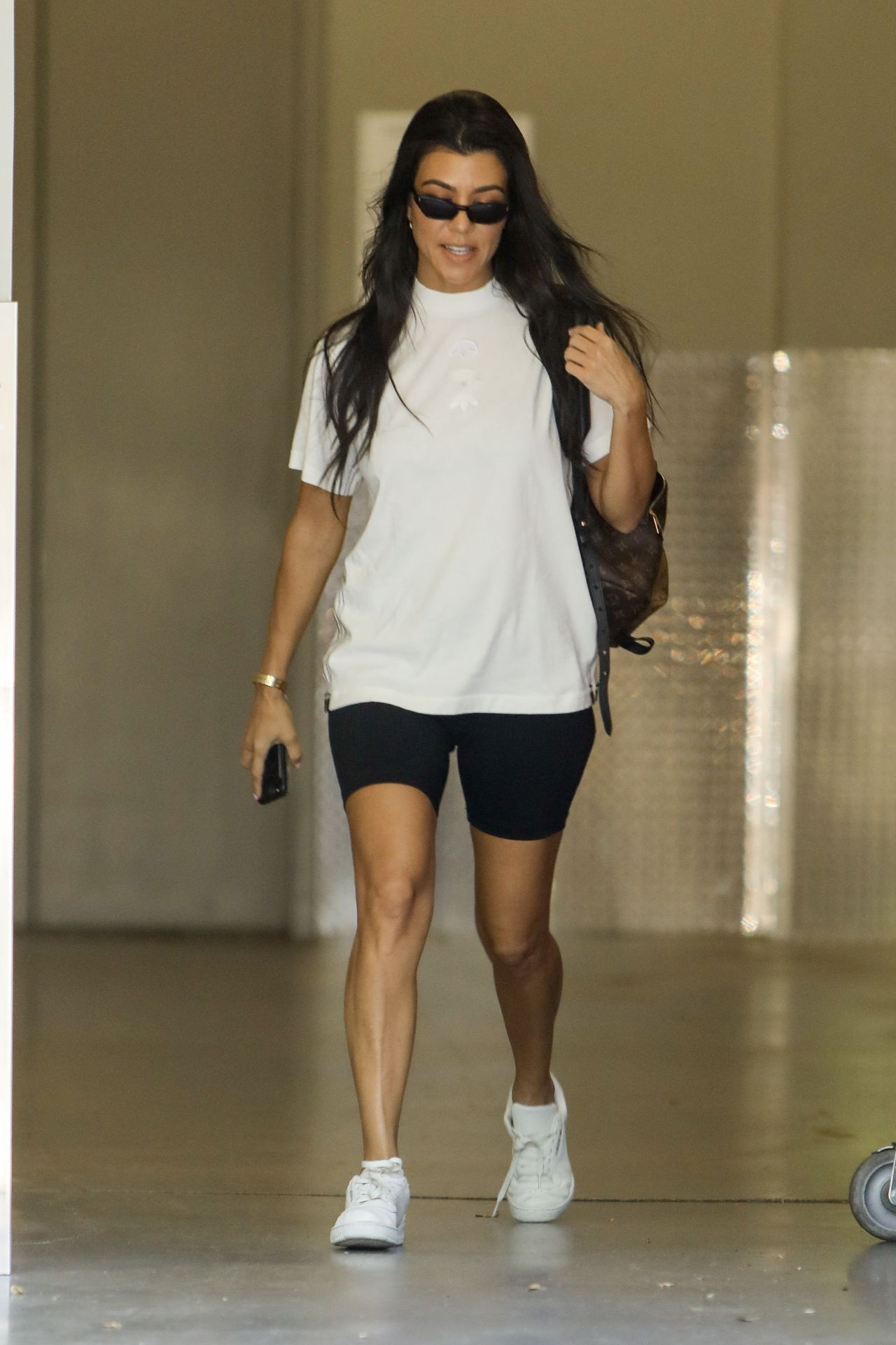 Kourtney Kardashian - Running Errands in Calabasas, CA 06 ...