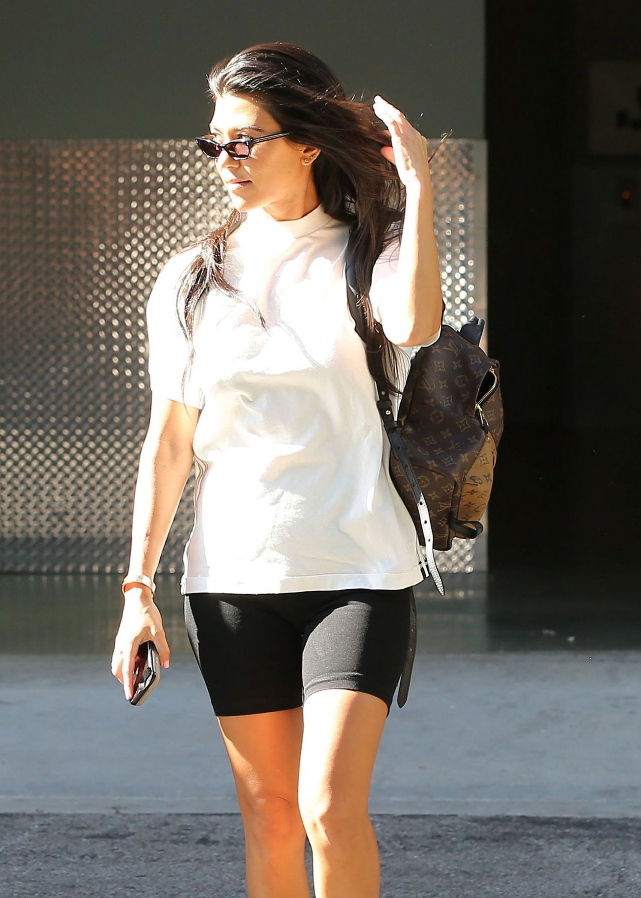 Kourtney kardashian running errands in calabasas ca naked (43 pics)