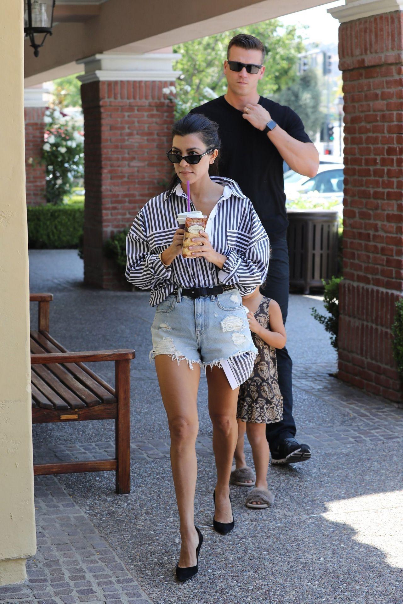 Kourtney Kardashian Street Style Calabasas 06 22 2017