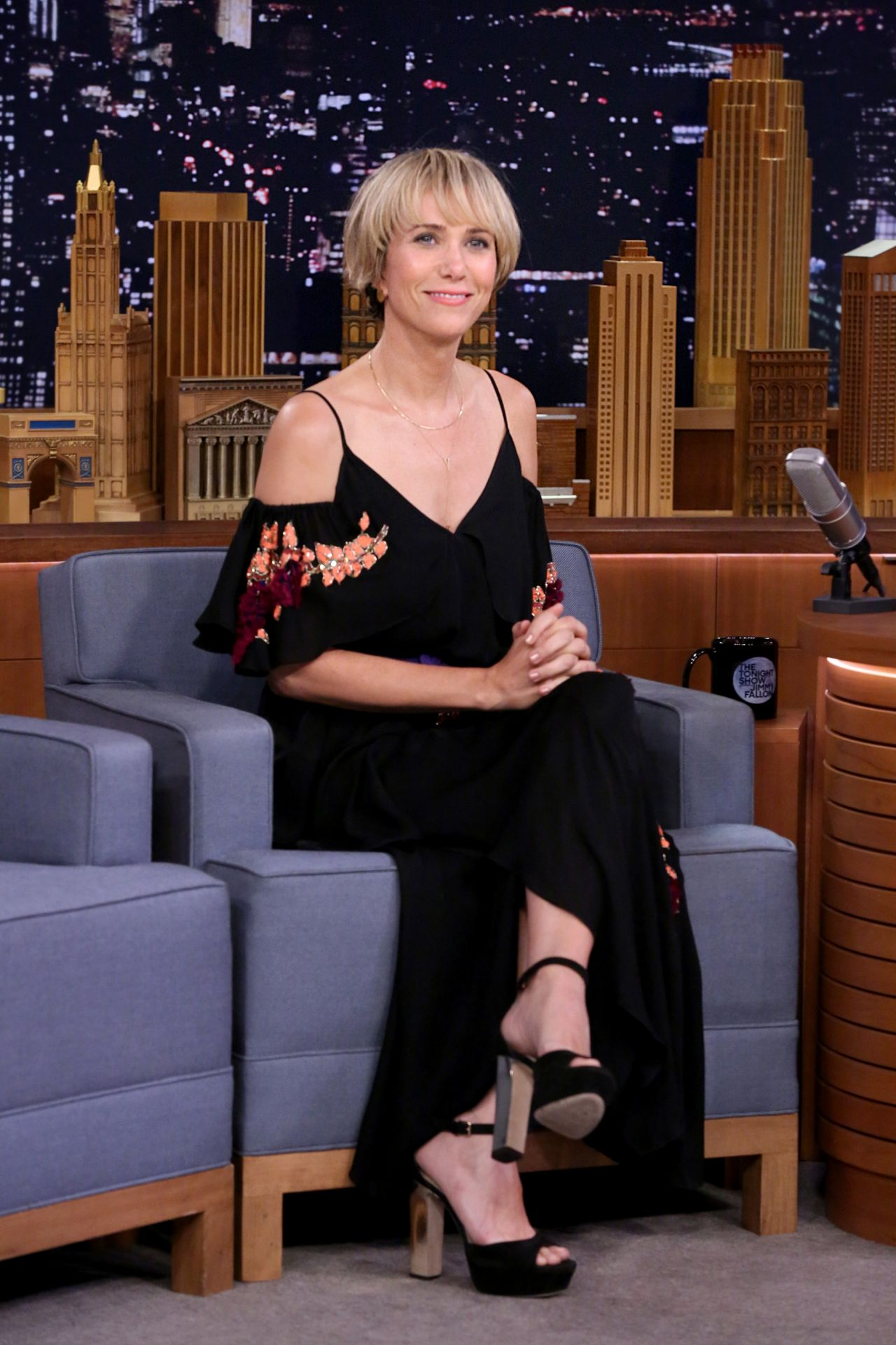 Kristen Wiig Appeared on Tonight Show Starring Jimmy ...