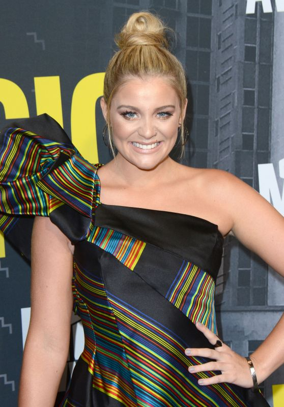 Lauren Alaina – CMT Music Awards in Nashville 06/07/2017