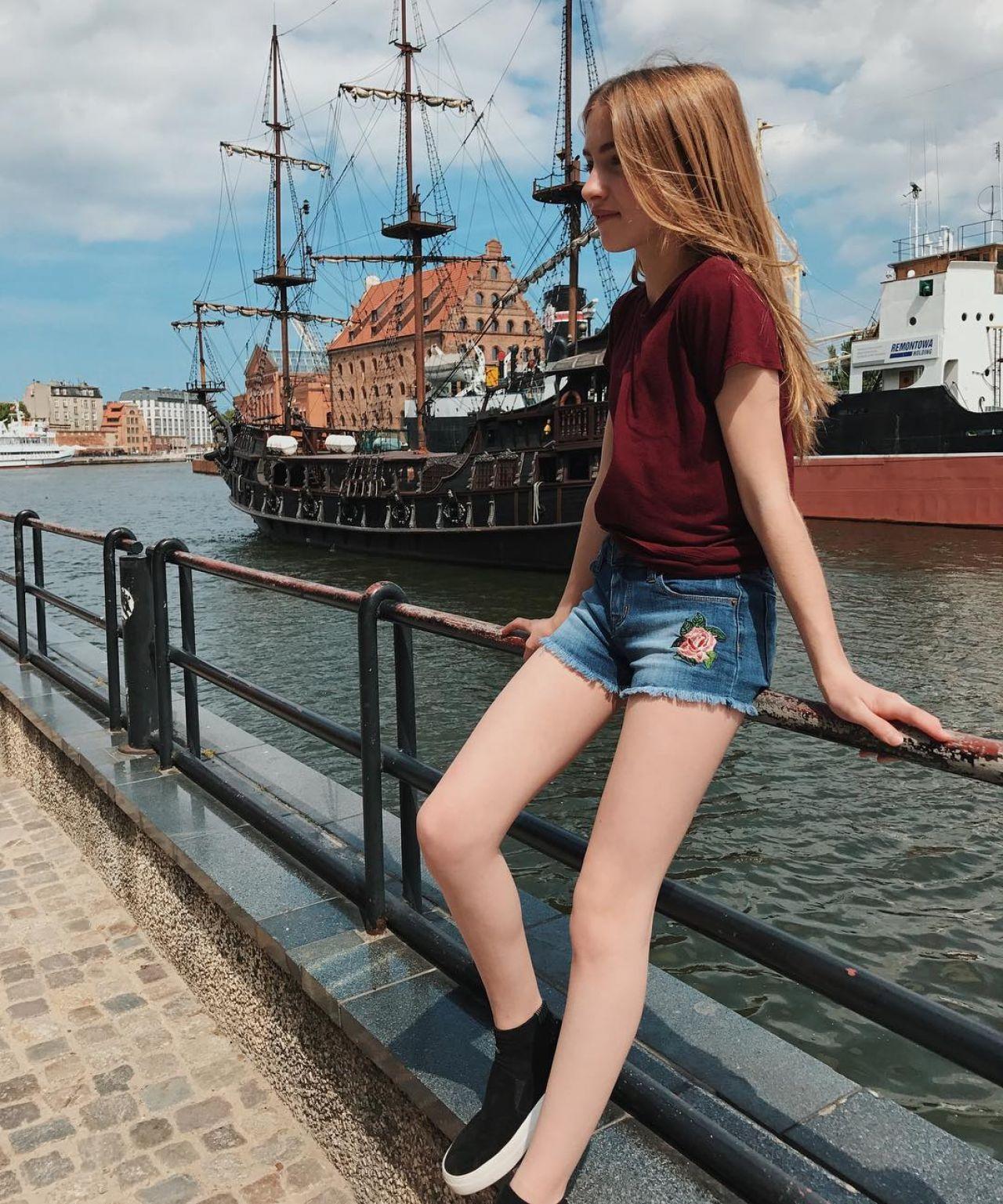 Lauren Orlando – Social Media Pics 06/13/2017 Anna Kendrick Instagram