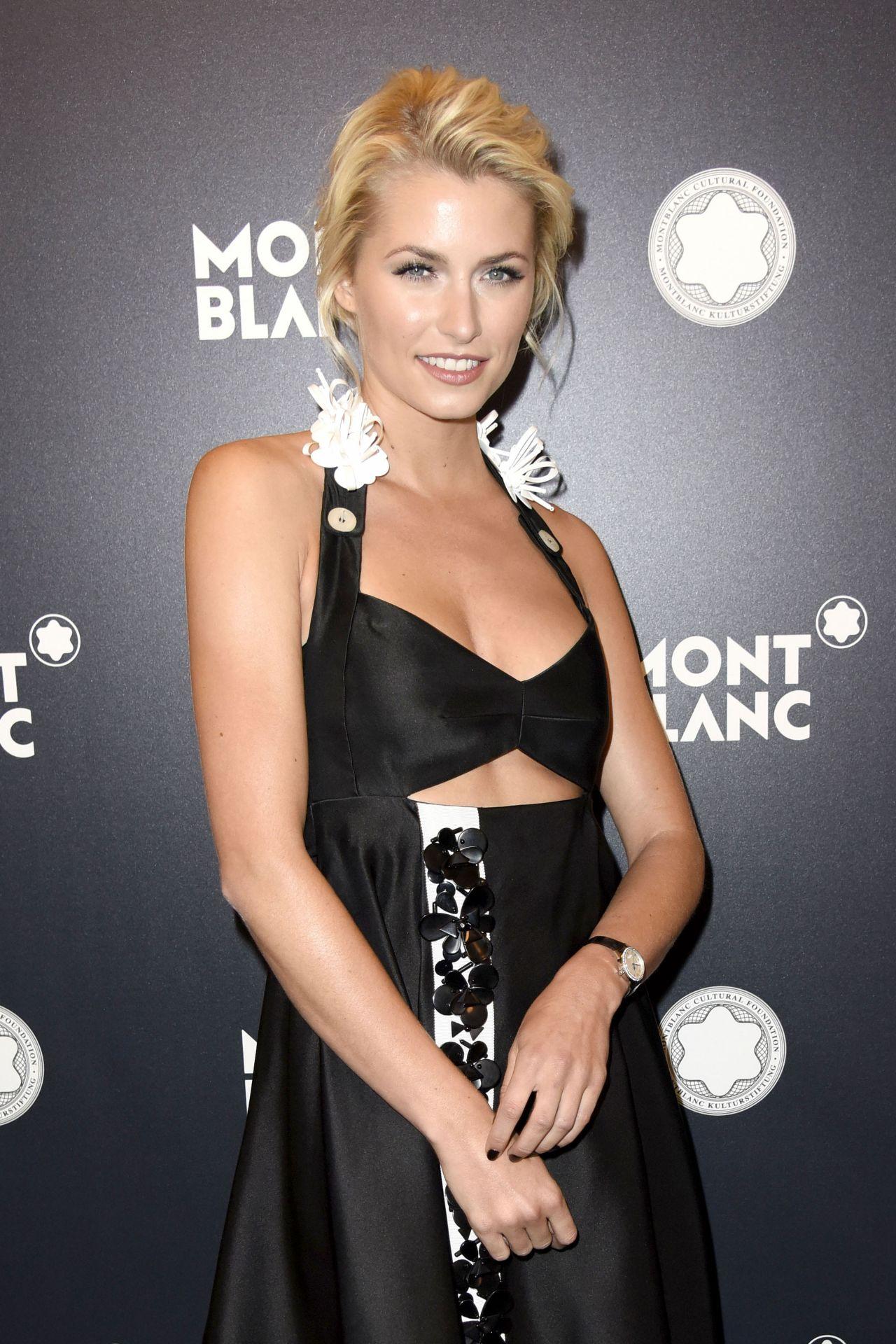 Lena gercke montblanc de la culture arts patronage award in berlin 06 13 2017 for Celebrity watches female 2017