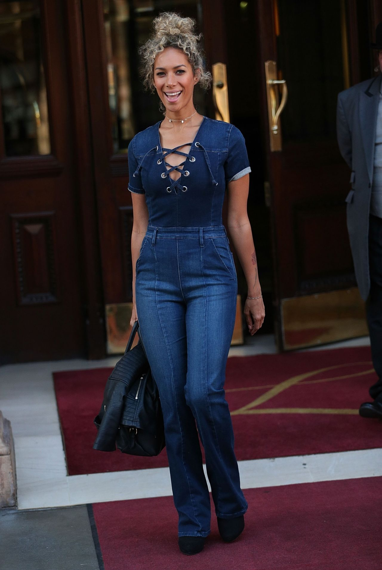 Leona Lewis In Jeans Leaving The Landmark Hotel In