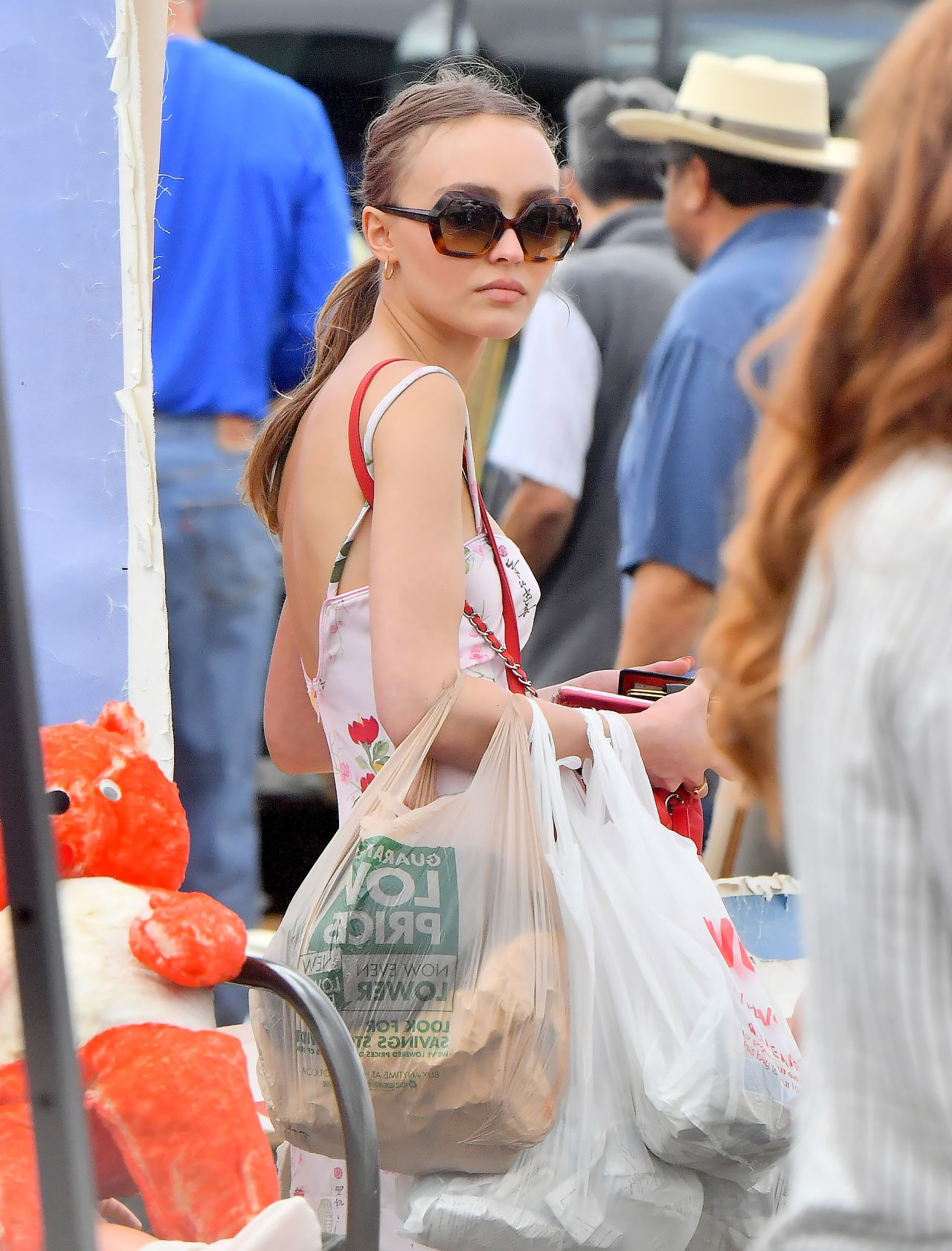 b5570260679 Lily-Rose Depp - Shopping With Friends in Los Angeles 06 11 2017
