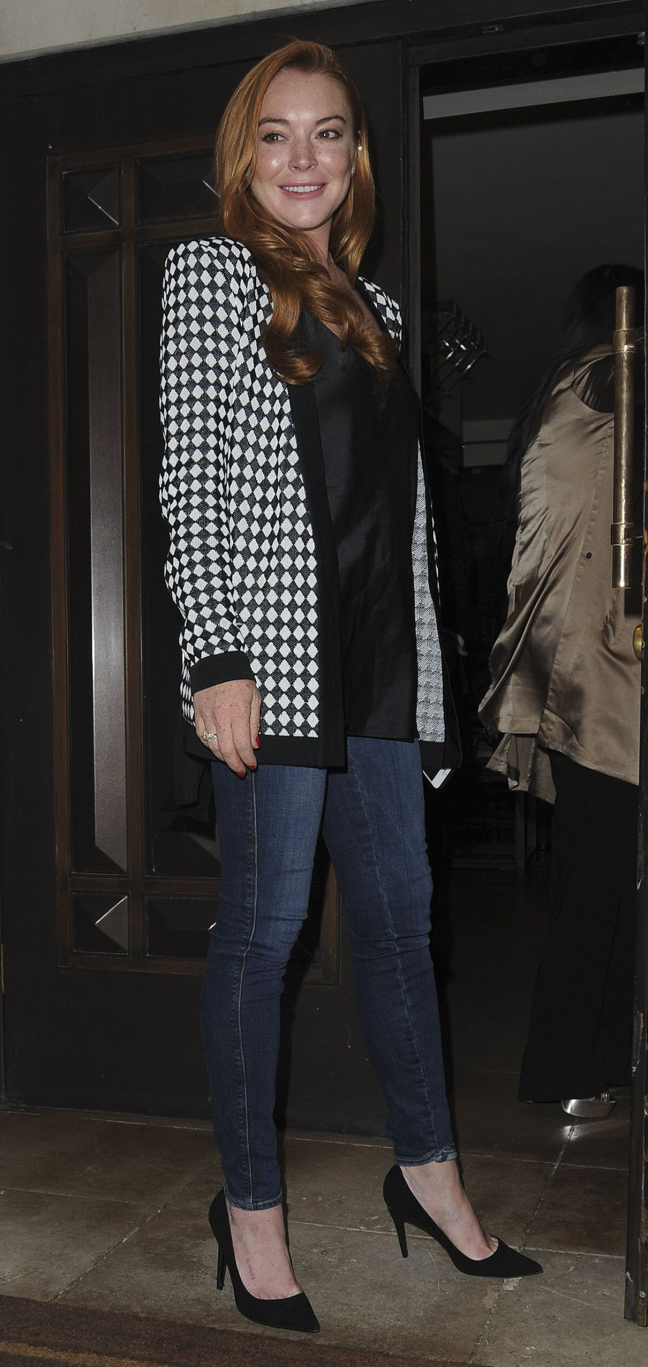 Lindsay Lohan Casual Style - at the Dorchester Hotel in ... Lindsay Lohan 2017