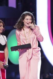 Lorde Performs Live at MMVA in Toronto, Canada 06/18/2017
