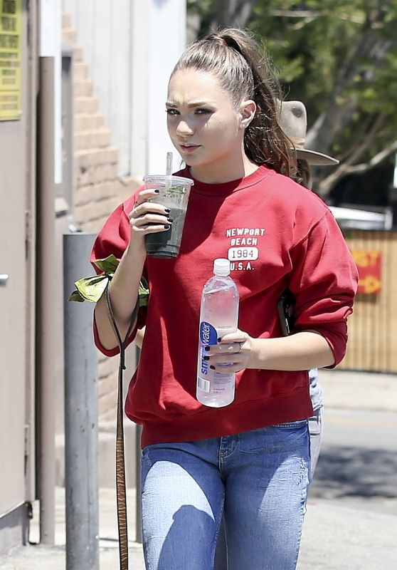 Maddie Ziegler - Leaves a Restaurant in Los Angeles 06/19/2017