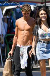 Madison Beer Cute Street Outfit - Shopping at al Flea Market in LA 06/12/2017