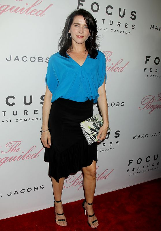 """Michele Hicks – """"The Beguiled"""" Premiere in New York 06/22/2017"""
