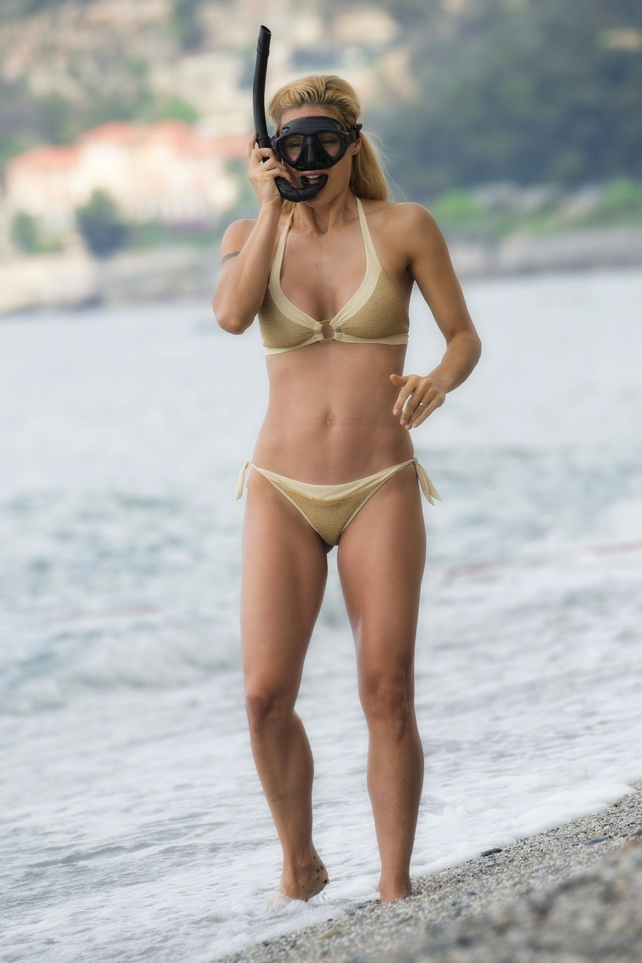 Michelle Hunziker In Bikini Varigotti In Italy 06 22 2017