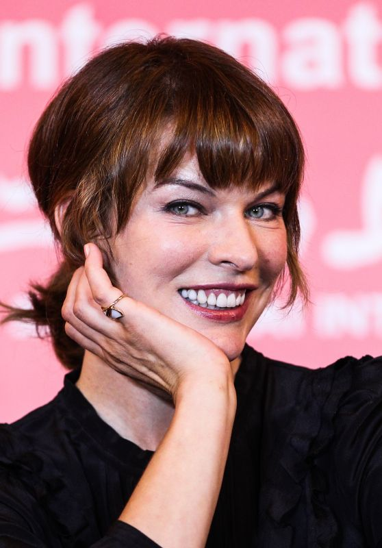 Milla Jovovich – Golden Goblet Awards Press Conference – Shanghai International Film Festival 06/25/2017 June 27, 2017 |Leave a Comment (Edit)