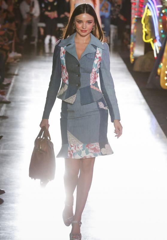 Miranda Kerr Runway Walk – Moschino Resort 2018 in Los Angeles 06/08/2017