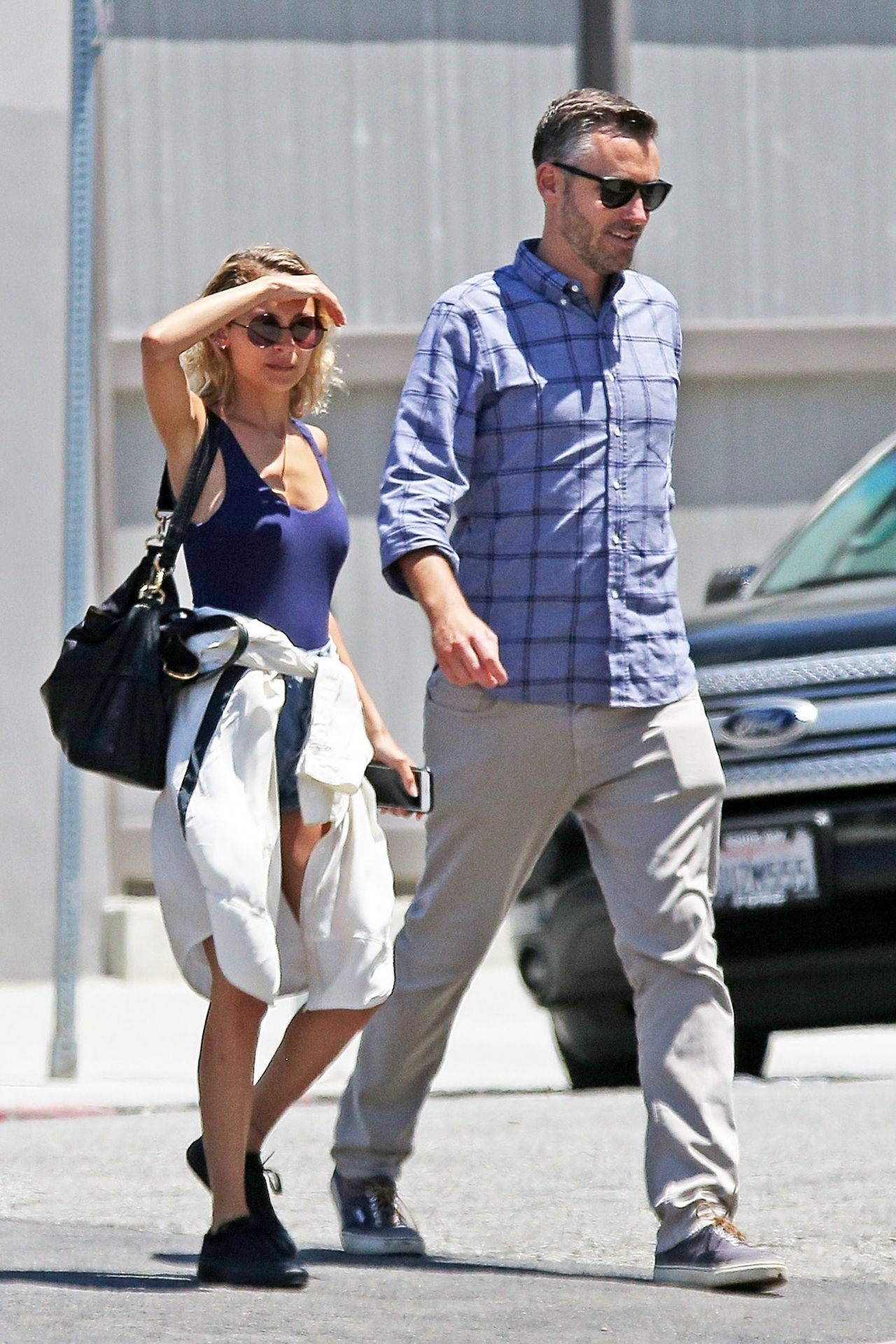 12cd80576e17 Nicole Richie Street Style - Los Angeles 06/09/2017