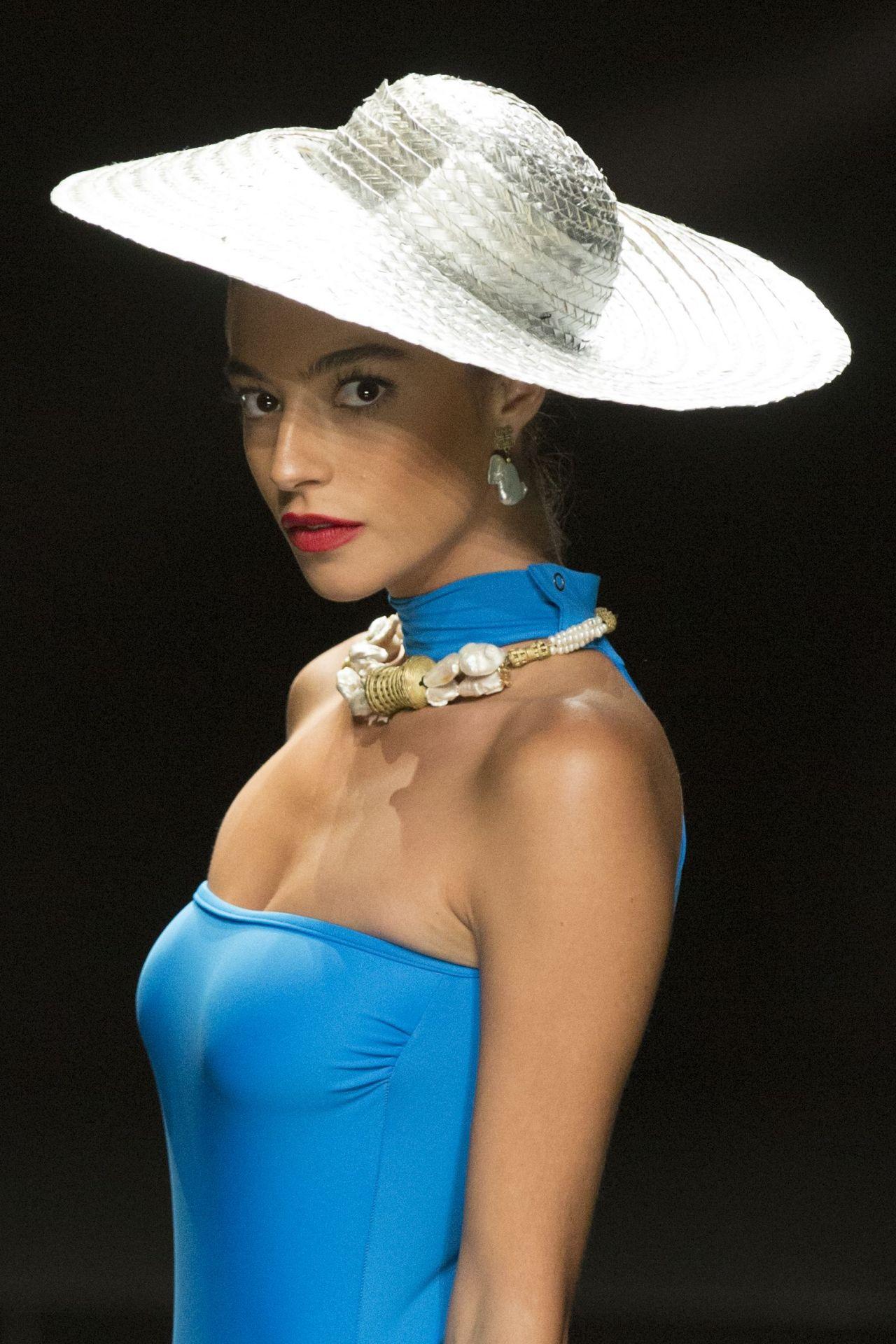 Nuria Gonzalez Show