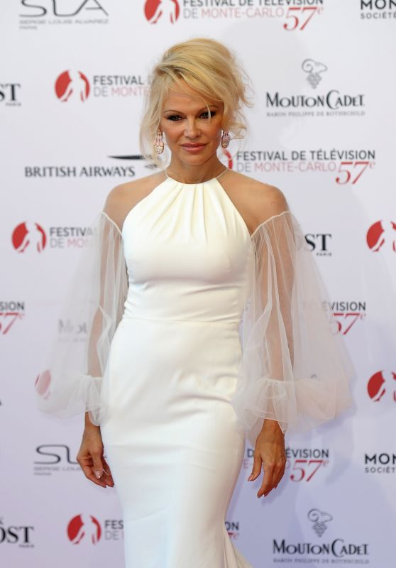 Pamela Anderson – Monte Carlo TV Festival Opening Ceremony 06/16/2017