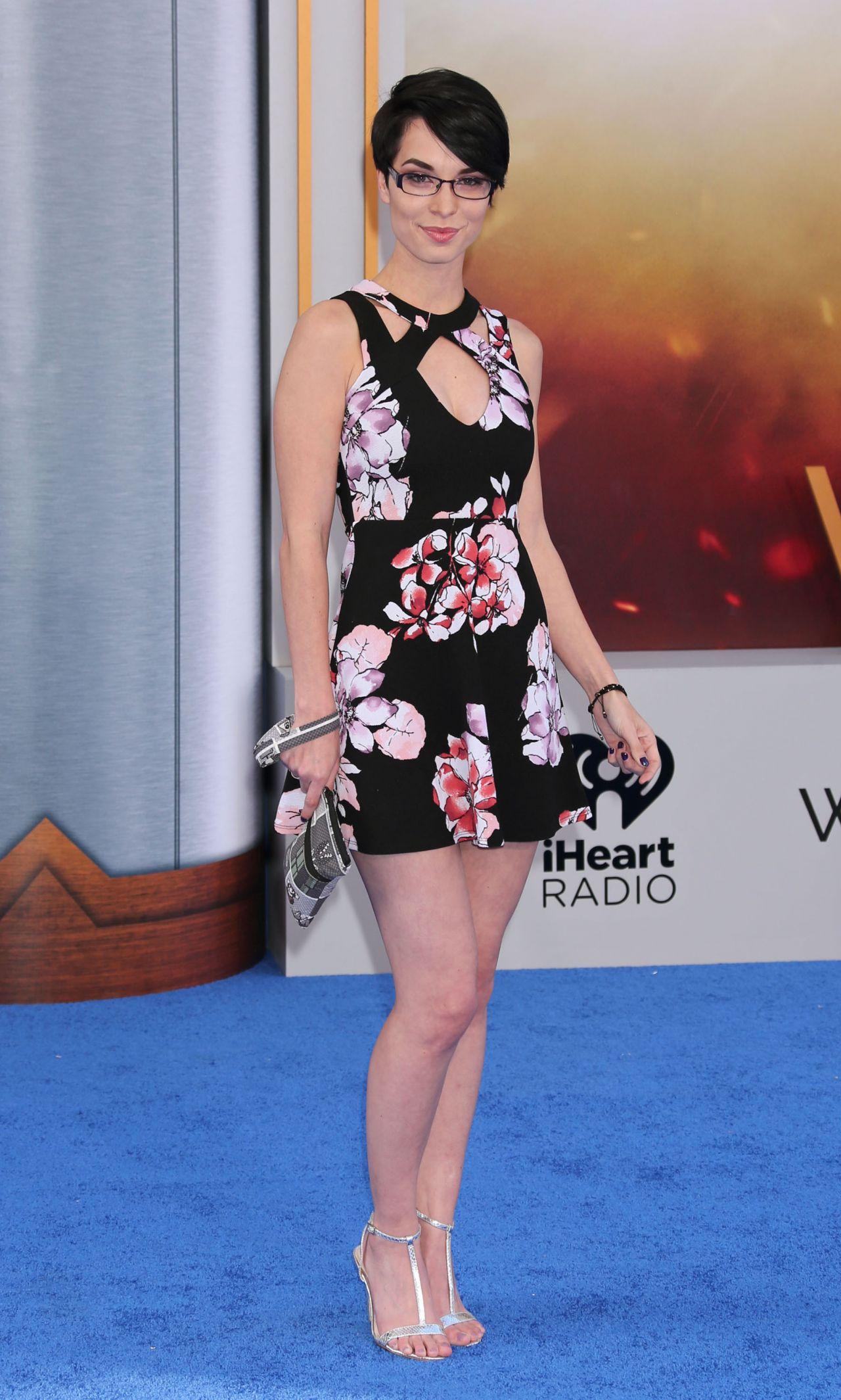 """pamela horton – """"wonder woman"""" movie premiere in los angeles 05/25/2017"""
