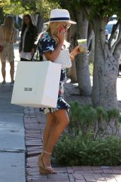 Reese Witherspoon at Melrose Place in West Hollywood 06/25/2017