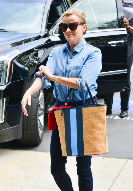 Reese Witherspoon in Casual Outfit - Out in Culver City 06/01/2017