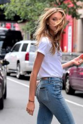 Romee Strijd in Ripped Jeans - Out in NYC 06/21/2017