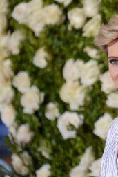 Scarlett Johansoon – Tony Awards in New York City 06/11/2017