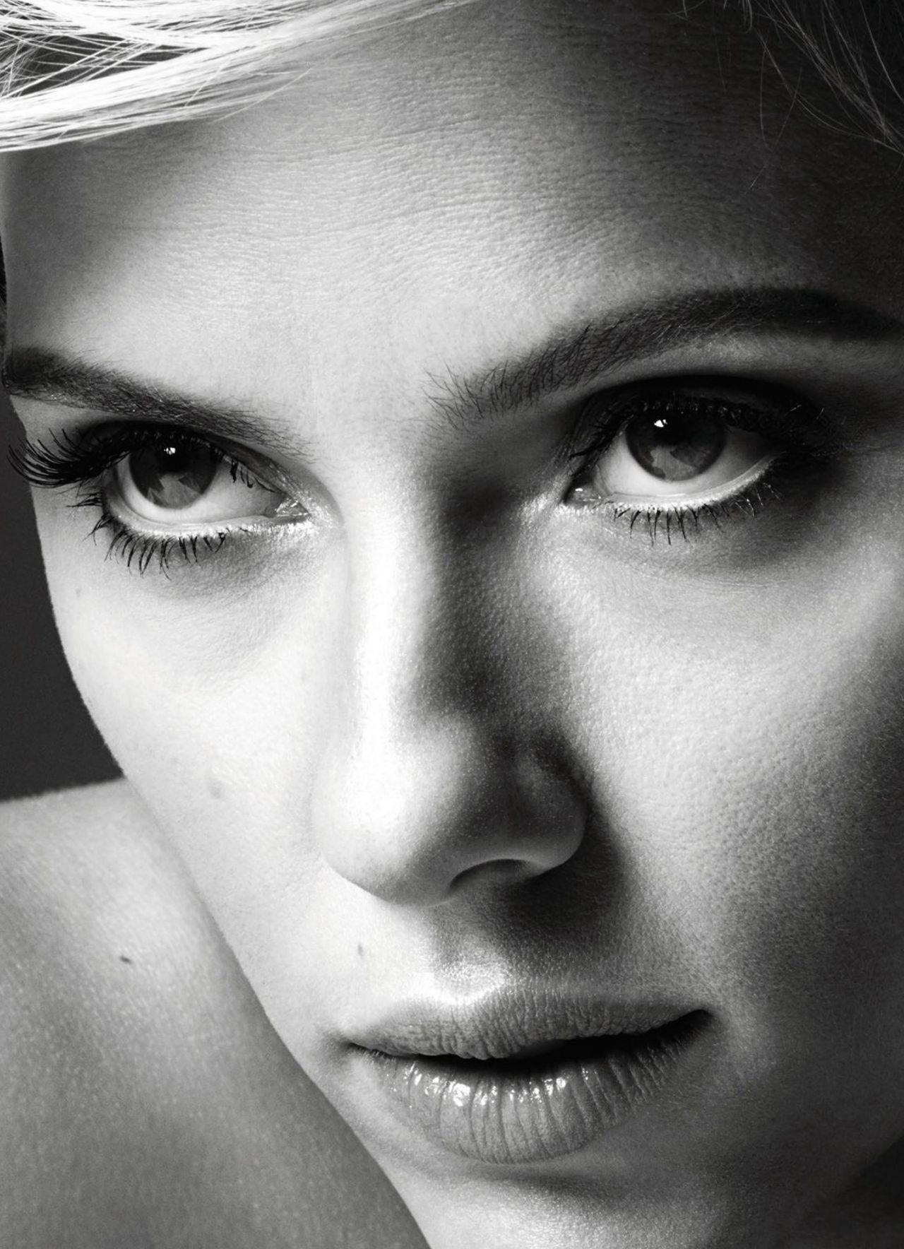Scarlett Johansson - Cosmopolitan Magazine US July 2017 Issue Scarlett Johansson