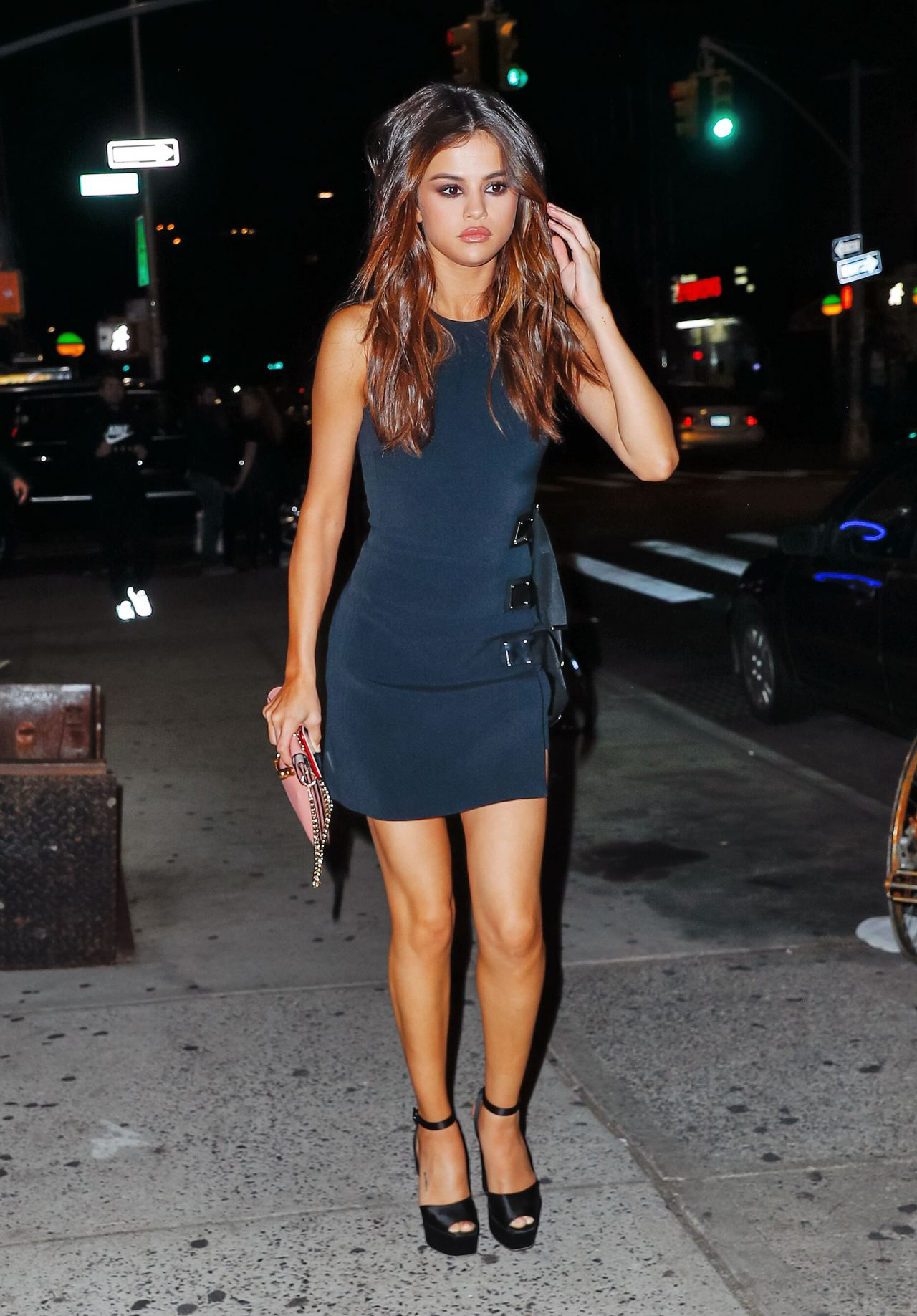 Selena Gomez night out in NYC. Drop dead gorgeous, amazing legs!