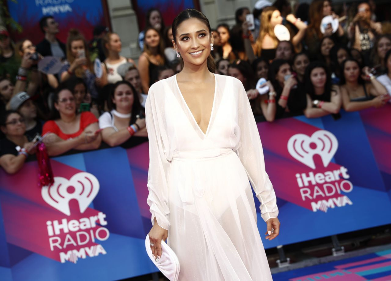 http://celebmafia.com/wp-content/uploads/2017/06/shay-mitchell-iheartradio-muchmusic-video-awards-in-toronto-06-18-2017-3.jpg