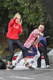 Sophie Turner - Having Fun With the Paparazzi  - Los Angeles  06/06/2017