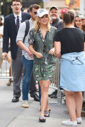 Suki Waterhouse Street Style - Out in NYC 06/20/2017
