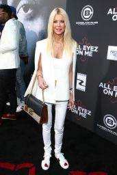 "Tara Reid - ""All Eyez on Me"" Premiere in Los Angeles 06/14/2017"