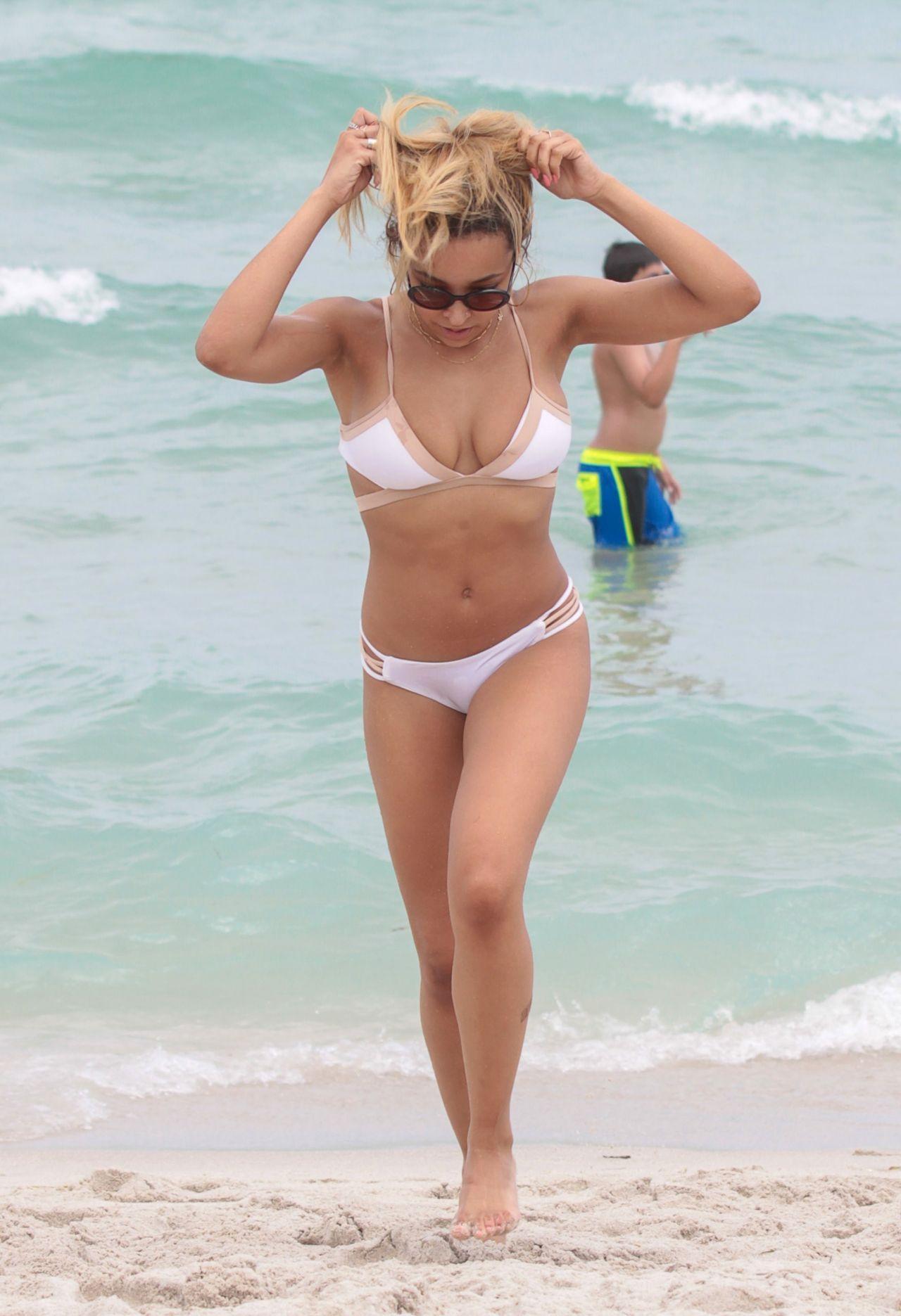 Tinashe miami in white bikini miami beach - 2019 year