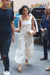 Vanessa Hudgens in White - H&M Store in Times Square in NYC 06/21/2017