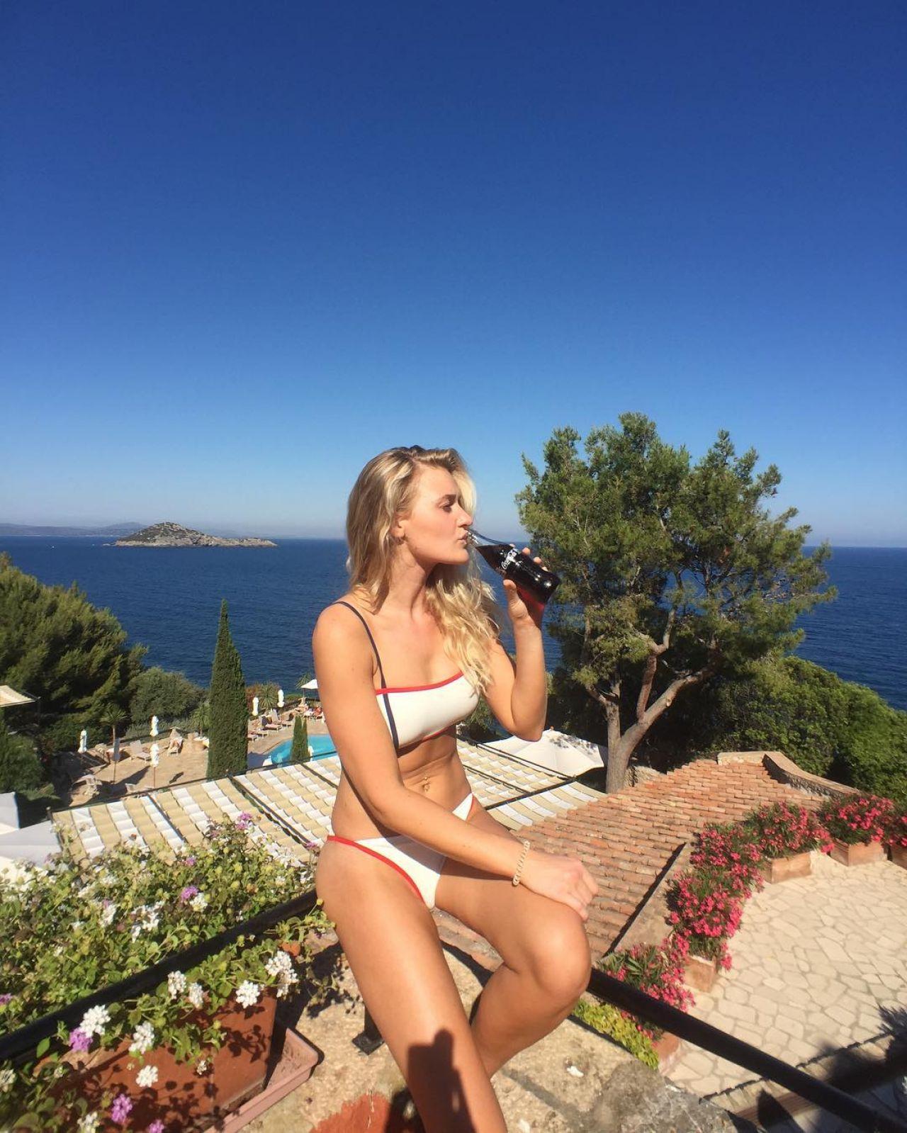 Bikini AJ Michalka nude (86 photo), Fappening