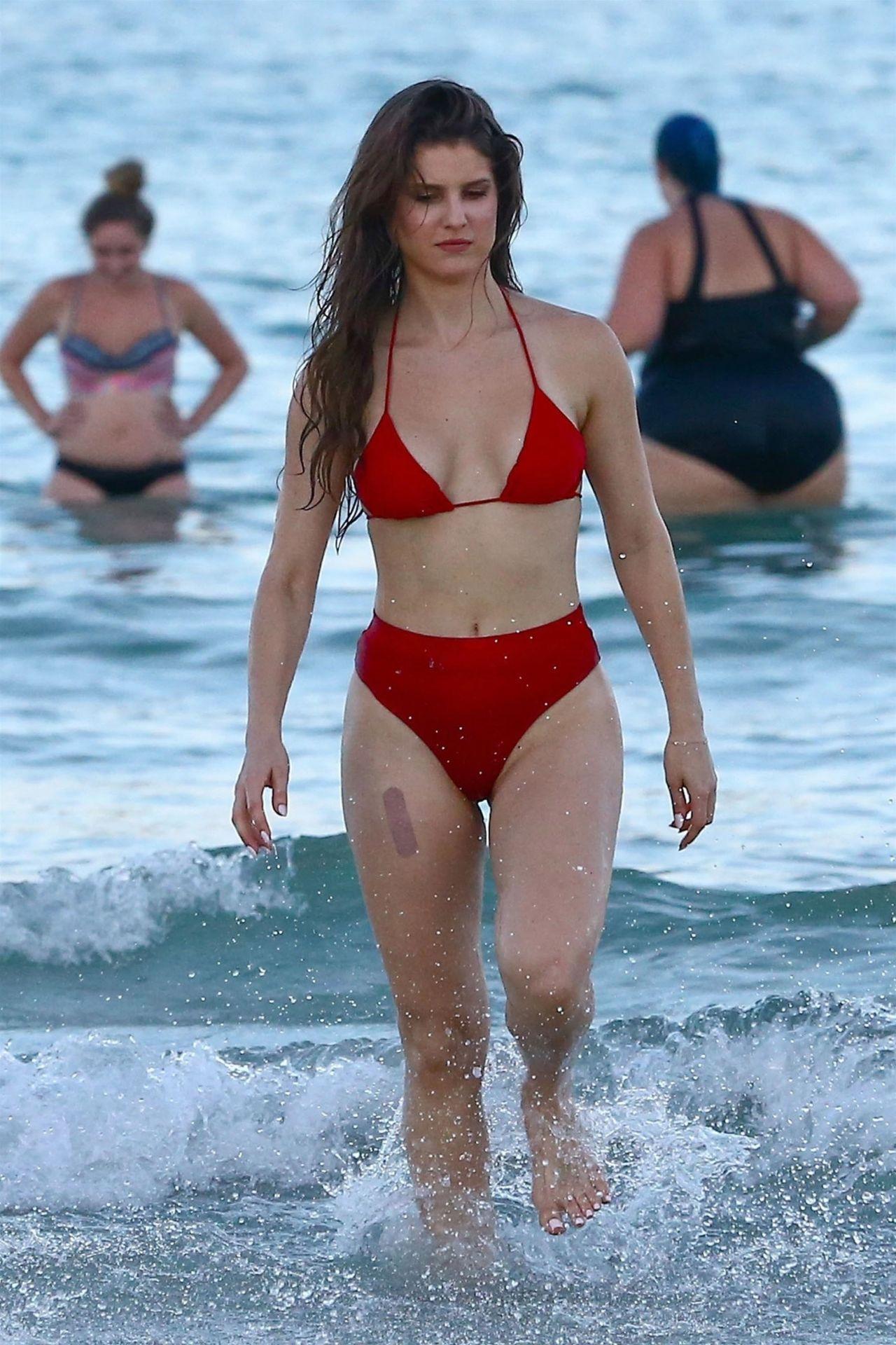 Amanda Cerny Showing Off Her Bikini Body in Miami 07/27