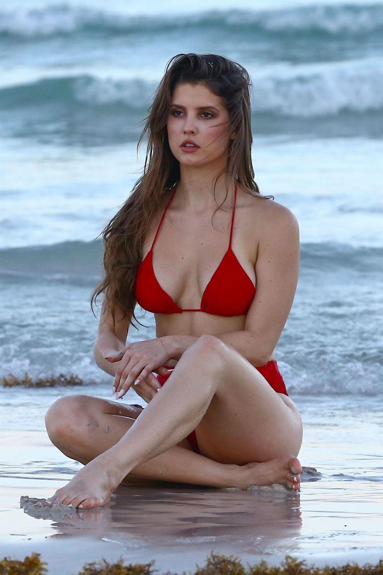 Amanda Cerny Showing Off Her Bikini Body in Miami 07/27/2017