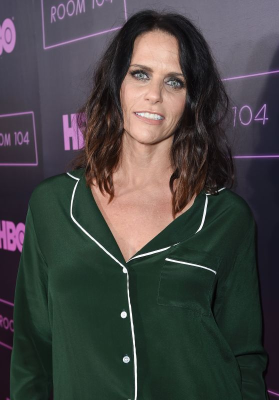 "Amy Landecker – ""Room 104"" TV Show Premiere in LA 07/27/2017"