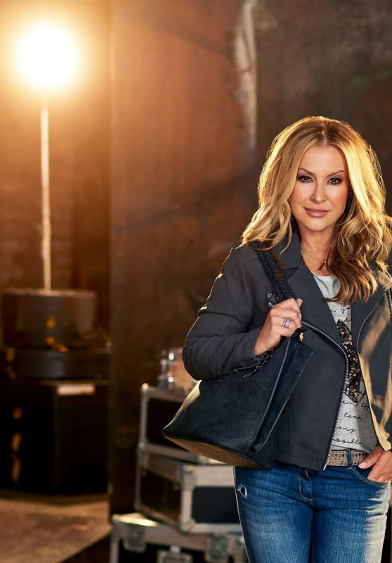 Anastacia - Photoshoot for ALDI 2017