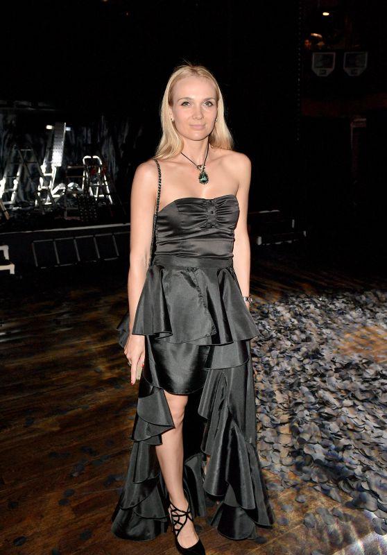 Angela Donava – Franck Sorbier Fashion Show in Paris 07/05/2017